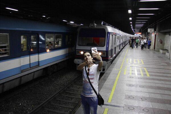 Selfie pericolosi - Sputnik Italia