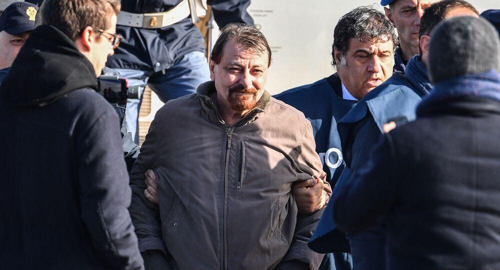 Cesare Battisti arriva in Italia dopo l'arresto in Bolivia