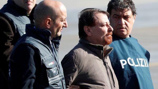 Cesare Battisti arriva a Roma - Sputnik Italia