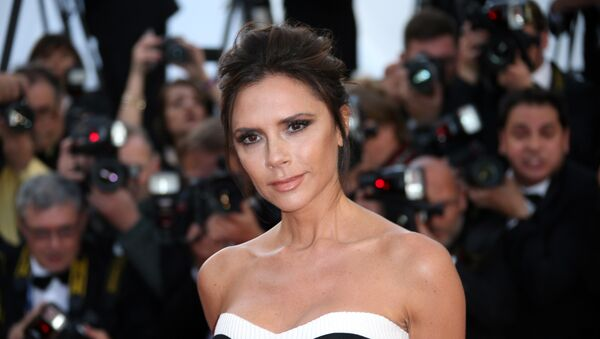 Fashion designer Victoria Beckham arrives on the red carper for the screening of the film Cafe Society and the Opening Ceremony at the 69th international film festival, Cannes, southern France, Wednesday, May 11, 2016 - Sputnik Italia