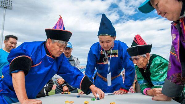 Giocatori di Sciagay Naadan - a Ulan Ude in Buriazia - Sputnik Italia