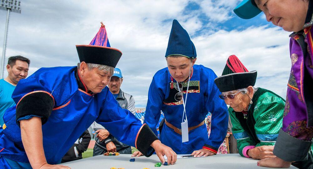 Giocatori di Sciagay Naadan - a Ulan Ude in Buriazia