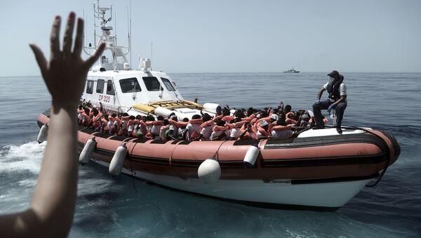 Migranti nel Mar Mediterraneo - Sputnik Italia