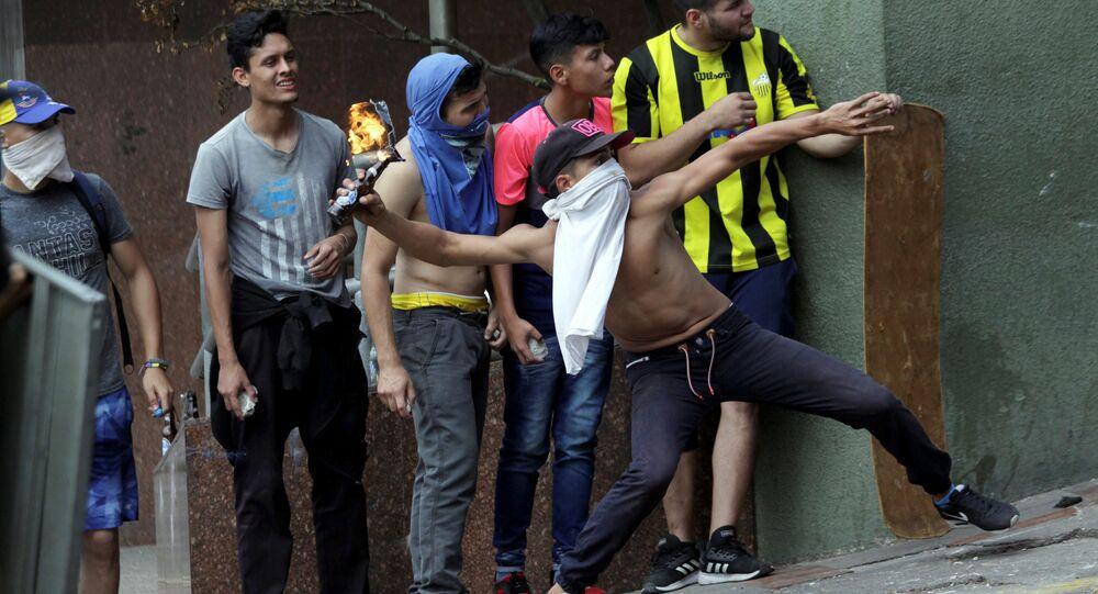 Proteste antigovernative a Caracas