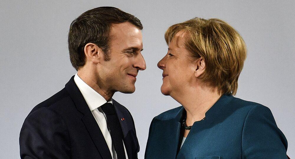Angela Merkel e Emmanuel Macron (foto d'archivio)