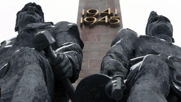 Монумент героическим защитникам Ленинграда - Sputnik Italia