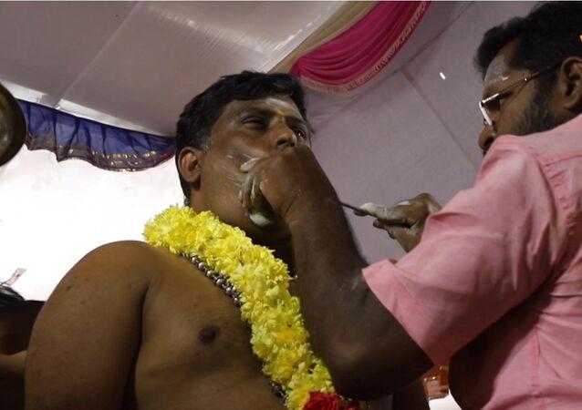 La festa del dolore indiana