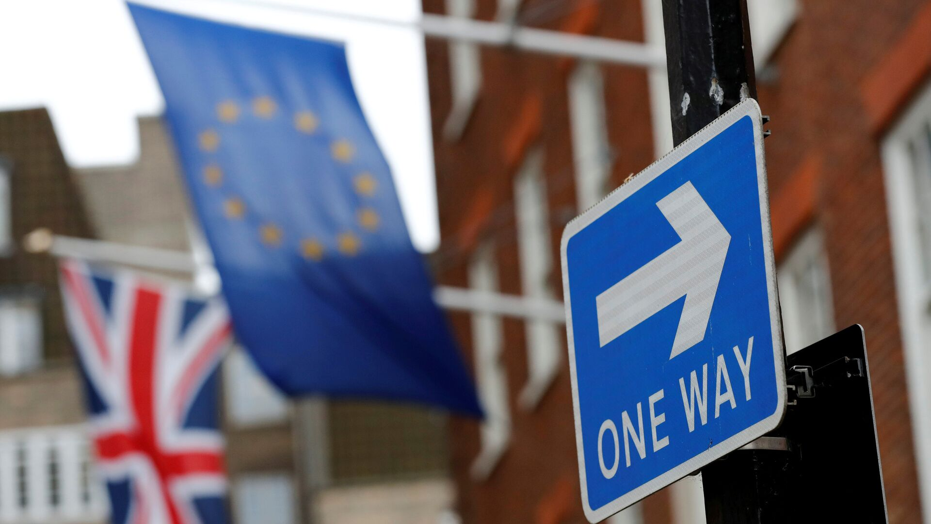 Bandiere UE e Regno Unito - Sputnik Italia, 1920, 23.06.2021