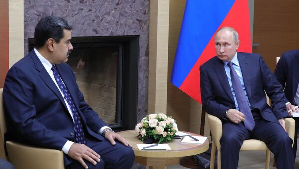 Il presidente venezuelano Nicolàs Maduro a colloquio con Vladimir Putin, Mosca 5 dicembre - Sputnik Italia