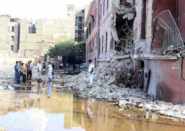 Consolato italiano al Cairo danneggiato dalla bomba