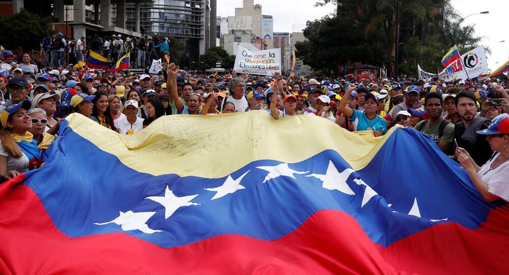 Manifestazione contro Maduro a Caracas