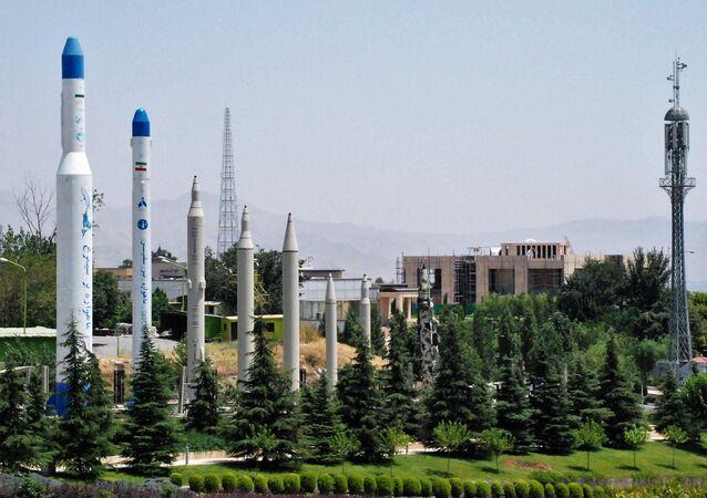 Modelli dei missili nel museo della Rivoluzione Islamica a Teheran