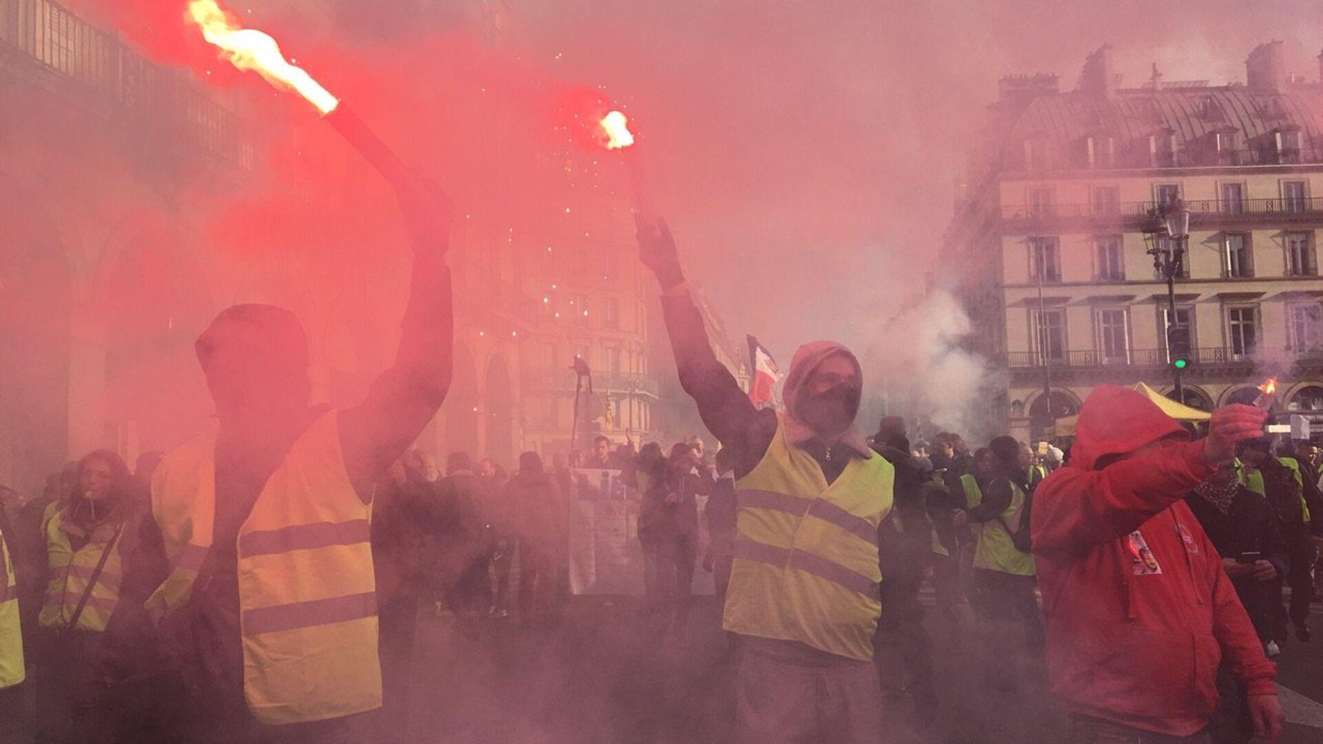 Le proteste dei sindacati francesi per i salari minimi nel Paese - Sputnik Italia, 1920, 02.07.2021