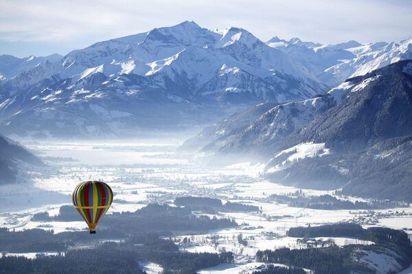 Gondolfiera sopra Zell am See, Austria. - Sputnik Italia