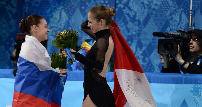 Adelina Sotnikova (Russia) e Carolina Kostner (Italia) alle Olimpiadi di Sochi 2014