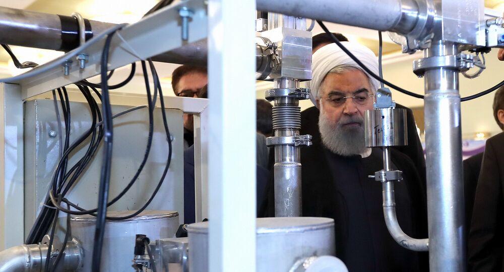 Presidente iraniano in visita a centrale nucleare