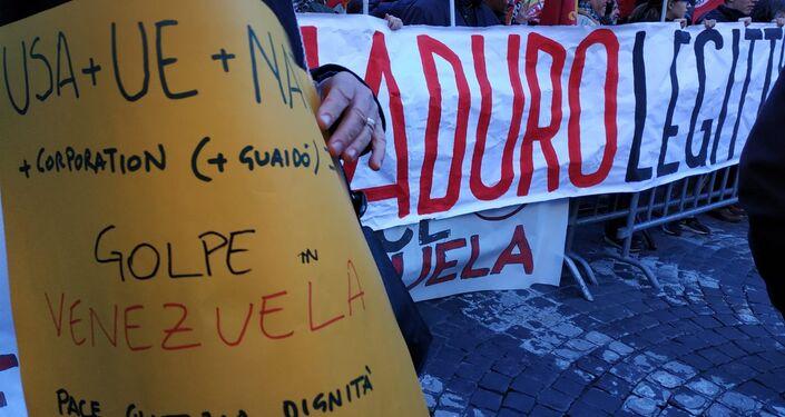 Roma, Piazza Vidoni, manifestazione unitaria a sostegno del legittimo presidente del Venezuela Nicolas Maduro