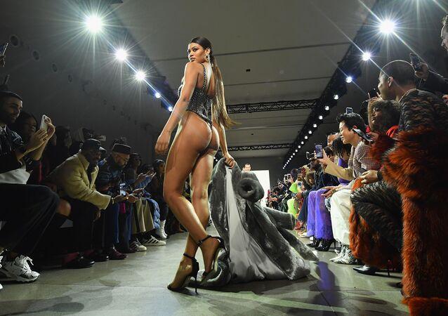 Una sfilata Plus Size alla Settimana della moda di New York.