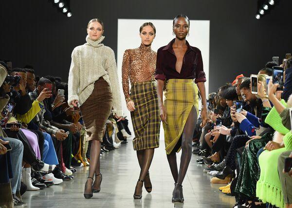 Una sfilata Plus Size alla Settimana della moda di New York. - Sputnik Italia