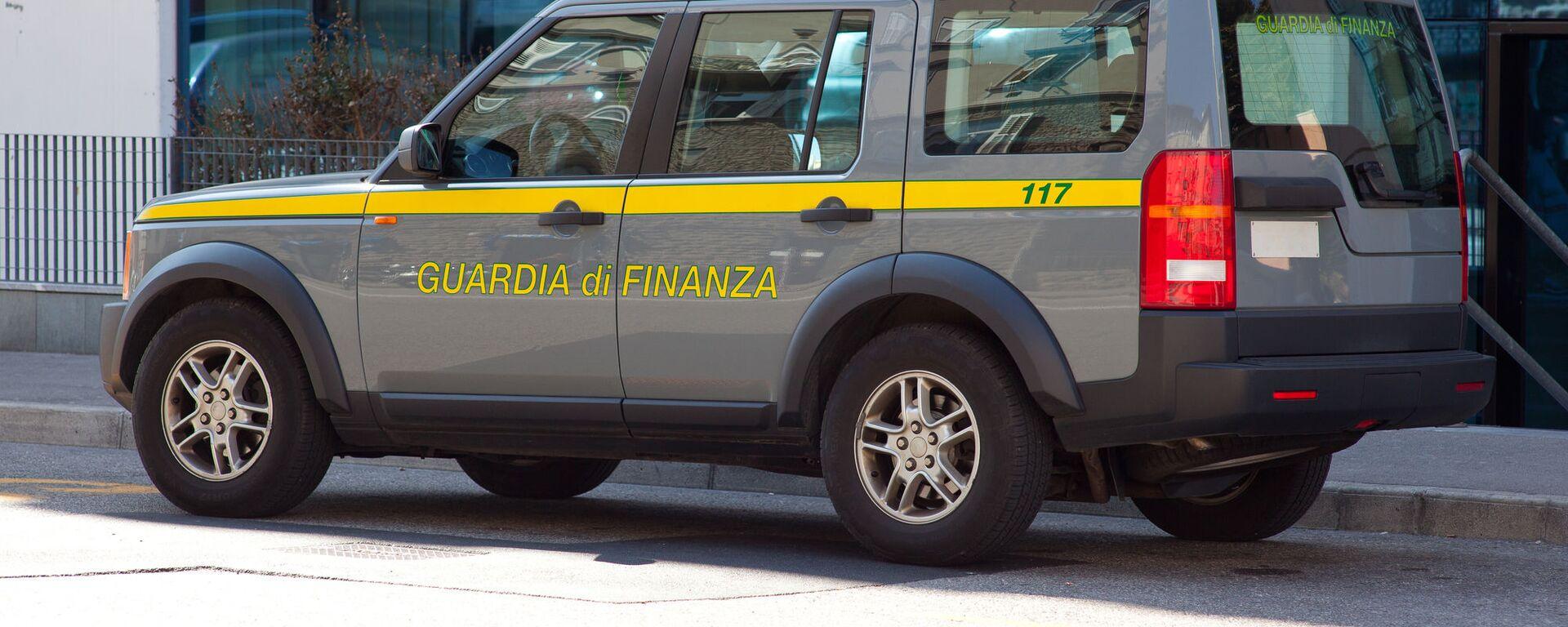 L'autoveicolo della Guardia di Finanza italiana - Sputnik Italia, 1920, 09.03.2021