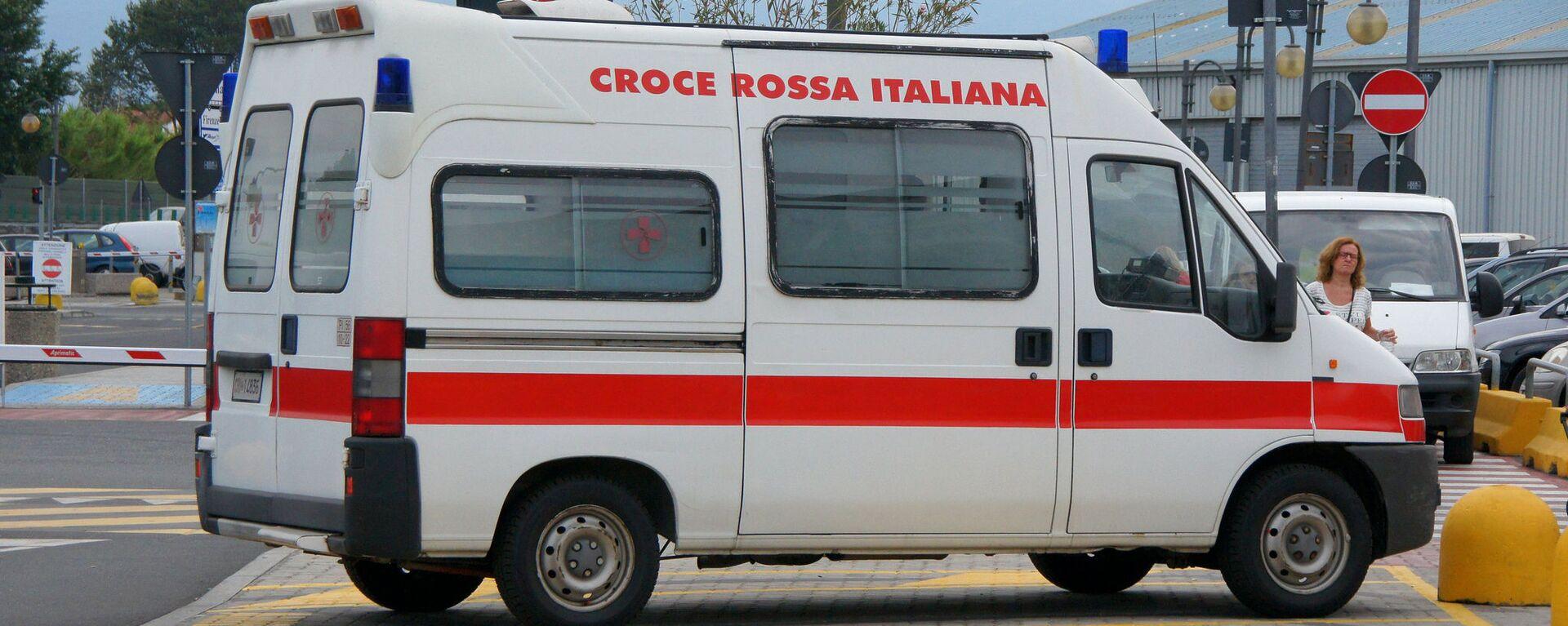 Ambulanza della Croce Rossa in Italia - Sputnik Italia, 1920, 20.06.2021