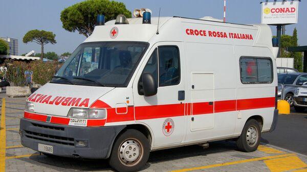 Ambulanza della Croce Rossa in Italia - Sputnik Italia