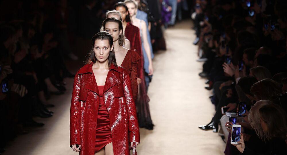 Le modelle alla sfilata di Roberto Cavalli alla settimana della moda di Milano (2018)
