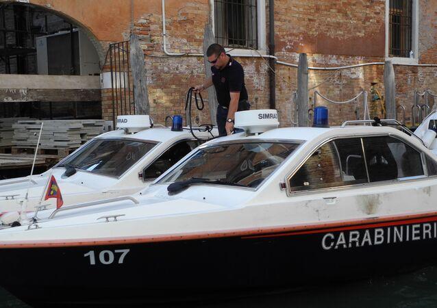 Motoscafo dei Carabinieri