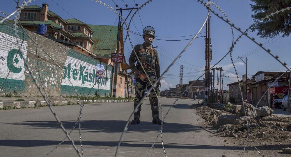 Militare indiano nel Kashmir (foto d'archivio)