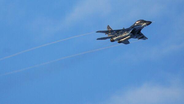 Учебно-тренировочные полеты палубных истребителей Северного флота - Sputnik Italia
