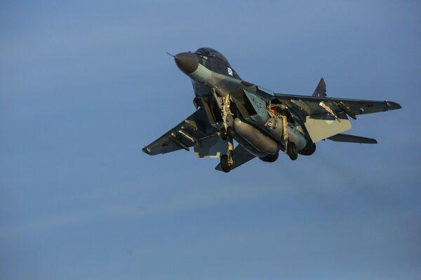 Caccia multiuso MiG-29K durante volo di addestramento - Sputnik Italia