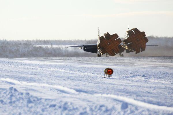 МиГ-29К in fase di atterraggio a Severomorsk - Sputnik Italia