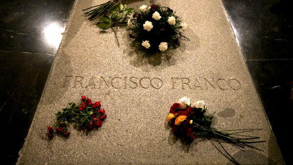 Tumba del dictador español, Francisco Franco - Sputnik Italia