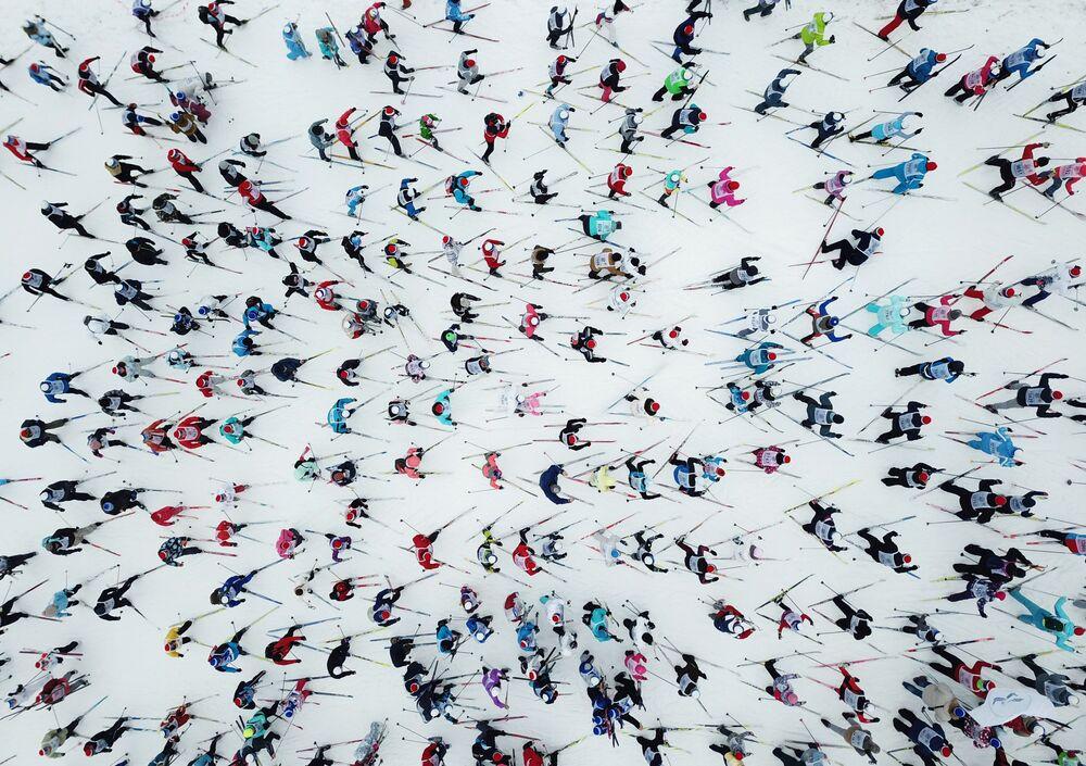 I partecipanti alla gara di sci Lyzhnija Rossii 2019 a Khimki, Russia.