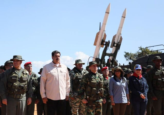 Nicolás Maduro, presidente del Venezuela, durante delle esercitazioni militari in Venezuela