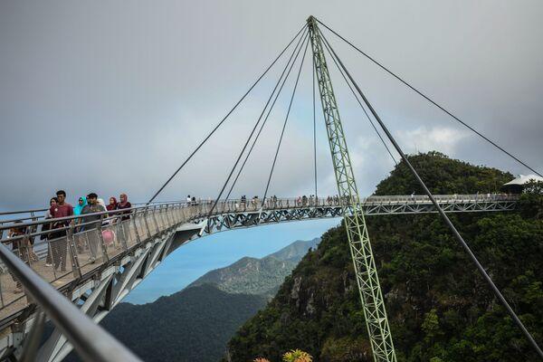 Chi soffre di vertigini stia a casa - Sputnik Italia