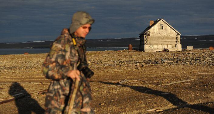 Dipendente del parco nazionale 'Russkaya Arktika'
