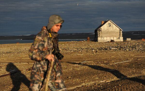 Dipendente del parco nazionale 'Russkaya Arktika' - Sputnik Italia