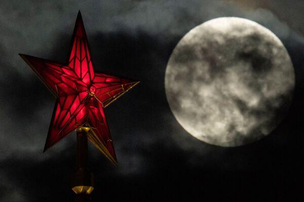 La super Luna a Mosca. - Sputnik Italia