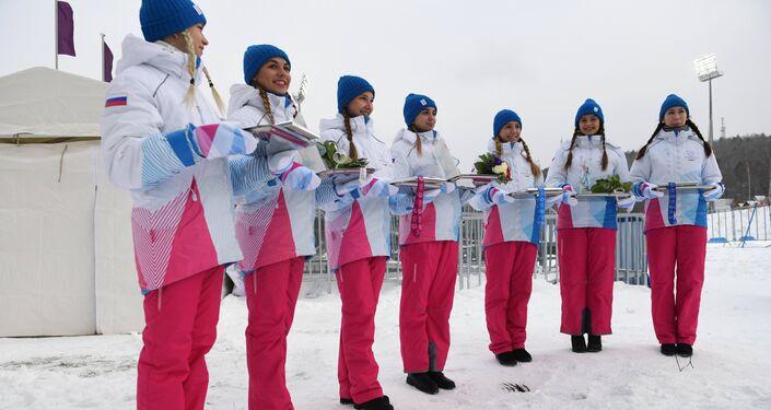 Belle, sorridenti, infreddolite: dalle loro mani arrivano le medaglie delle Universiadi di Krasnoyarsk 2019