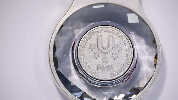 La medaglia d'argento delle Universiadi di Krasnoyarsk 2019 - Sputnik Italia