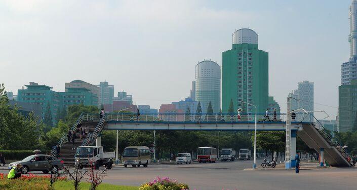 Una delle vie di Pyongyang