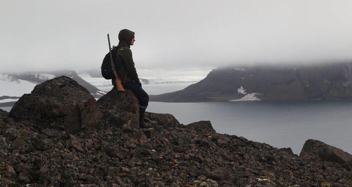 Un ispettore del parco nazionale 'Russkaya Arktika'