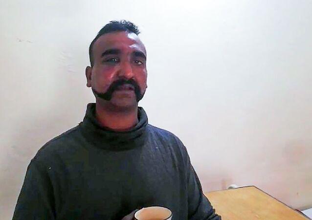 Il pilota indiano catturato dal Pakistan