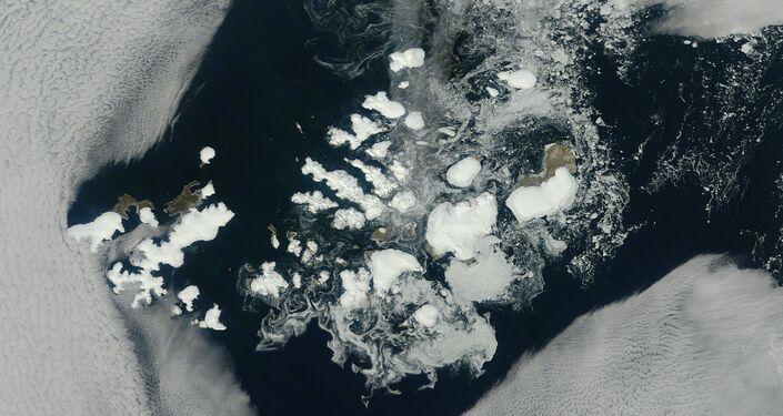Terra di Francesco Giuseppe - foto satellitare, agosto 2011