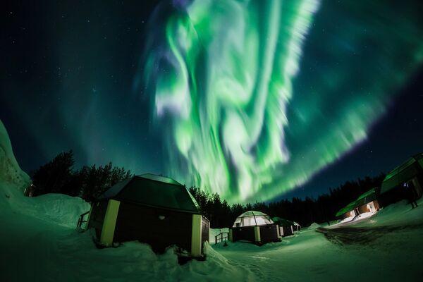Aurora boreale a Rovaniemi, Finlandia. - Sputnik Italia