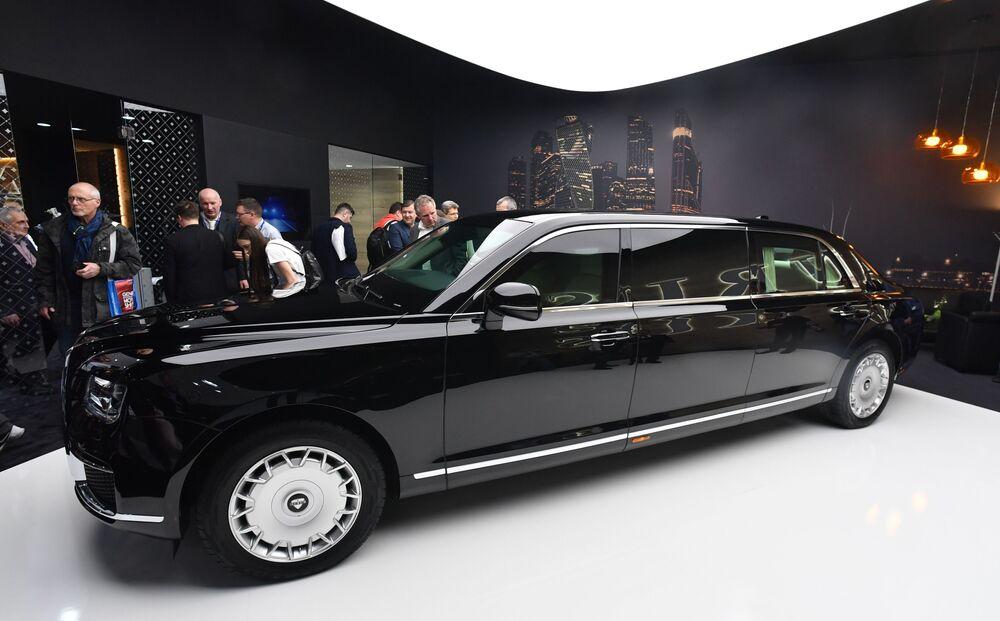 Automoble Aurus al Salone di Ginevra.