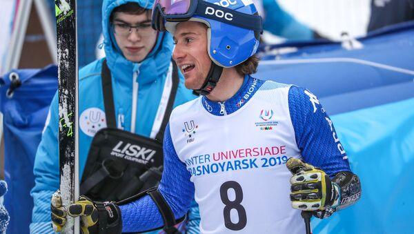 Alberto Blengini sorridente all'arrivo dello slalom gigante alle Universiadi di Krasnoyarsk 2019 - Sputnik Italia