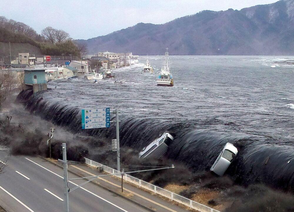 Lo tsunami dopo il terremoto - Miyako, 11 marzo 2011