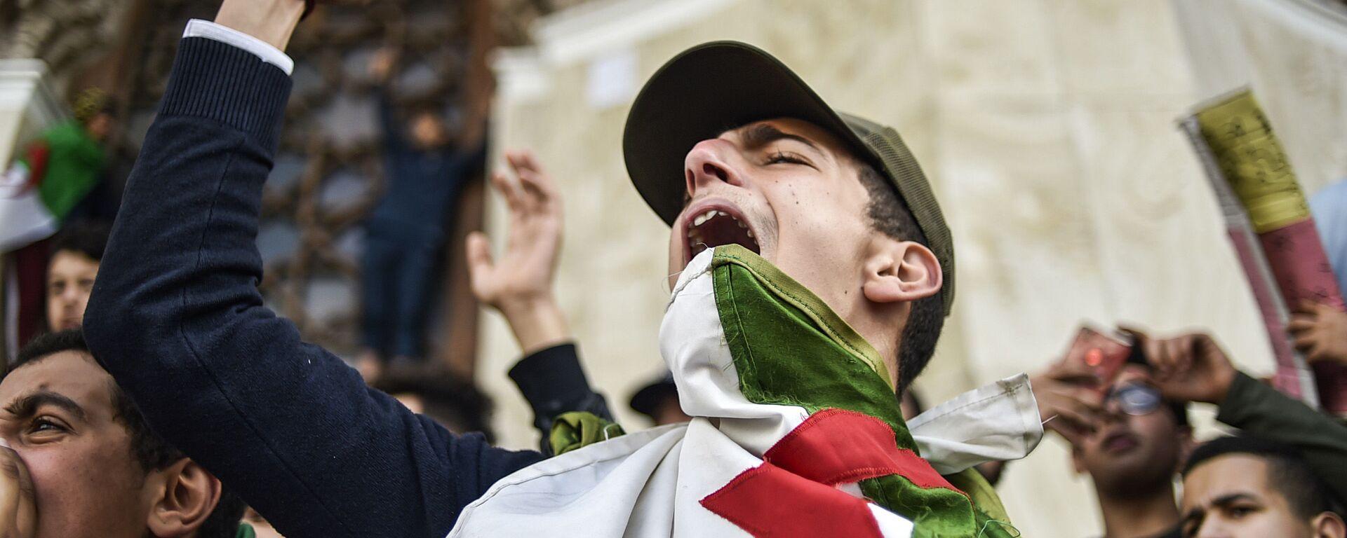 Le manifestazioni contro Bouteflika - Sputnik Italia, 1920, 15.03.2019
